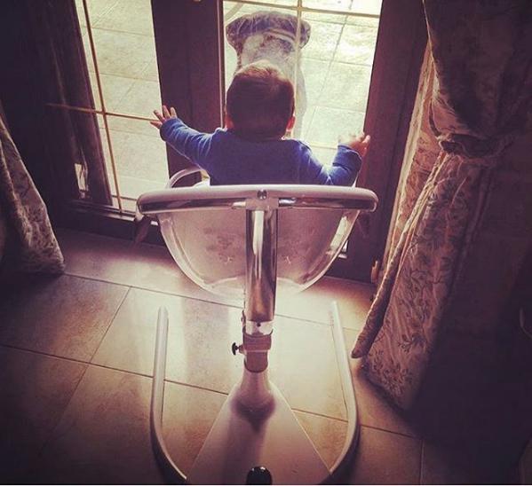 Фото стульчика для кормления Mima Moon 2G Fuchsia